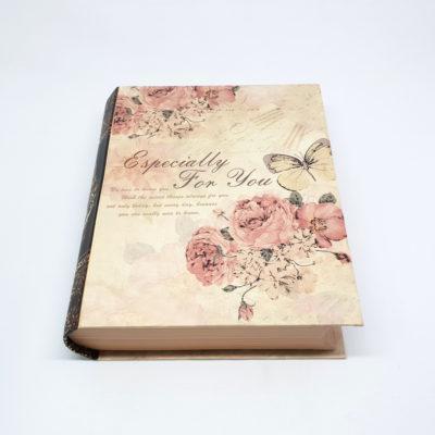 cutie cadou cu design din trandafiri