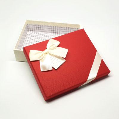 cutie cadou de dragobete